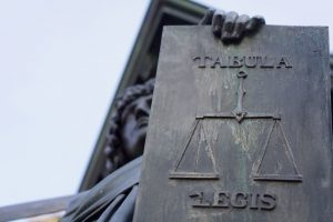 Übersetzung von Rechtstexten